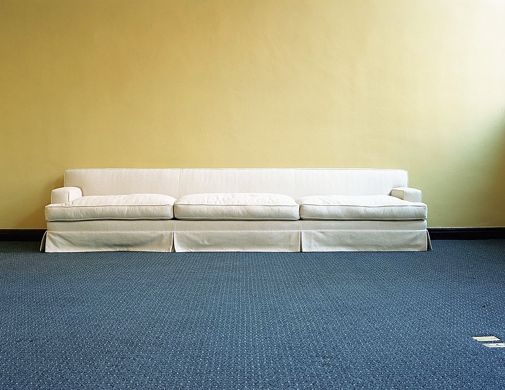 photo displayed in the installation [long sofa]